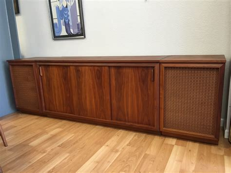1970 s mid centure modern barzilay walnut stereo console