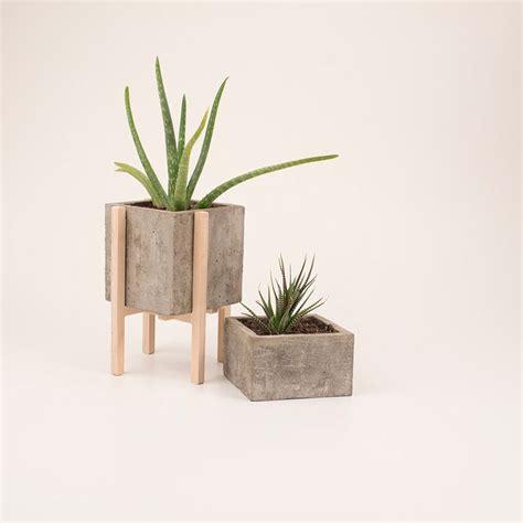 Modern Wood Planter by Best 25 Concrete Wood Ideas On Concrete Wood