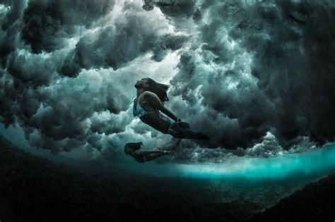 mermaids diving   waves george karbus photography