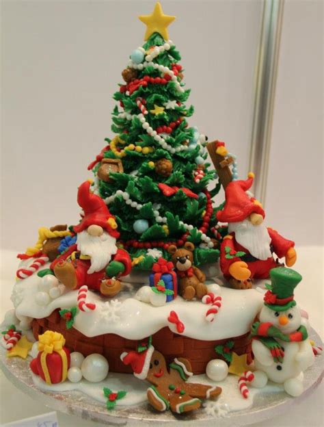 15 amazing christmas cakes a holiday scene guff