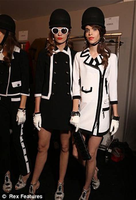 swinging sixties fashion milan fashion week moschino brings the swinging 60s back