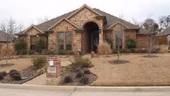 Kelly clarkson s first home purchase was this home in mansfield texas
