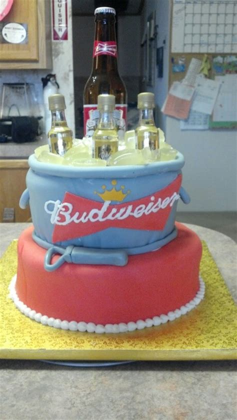 budweiser beer cake best 25 budweiser cake ideas on pinterest beer can