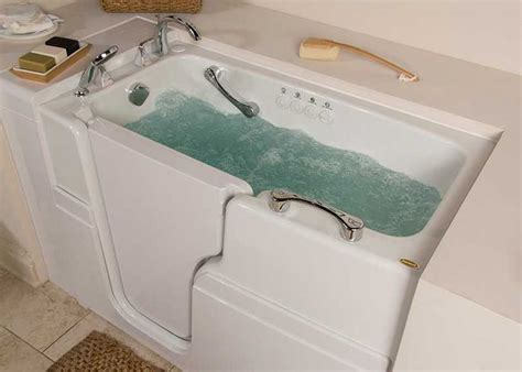 walk in jetted bathtub best 25 walk in tubs ideas on pinterest walk in tub