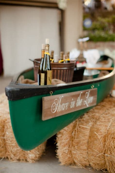 Canoe Decor by 21 Cool Suggestions To Use A Canoe At Your Rustic Wedding