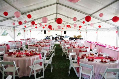 Napkin Damask Putih and pink wedding reception via eliteeventsrental the merry