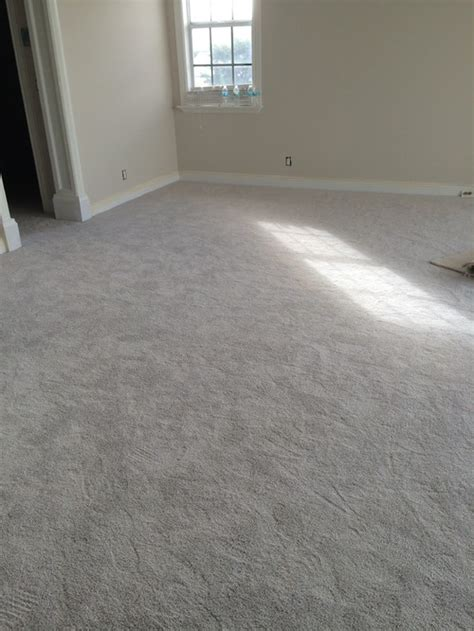 what color carpet goes with light gray walls american hwy