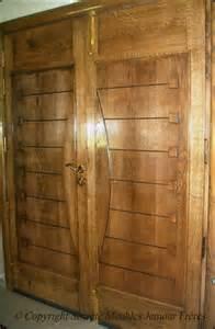 portes d entr 233 e de villa moderne en bois noble ch 234 ne