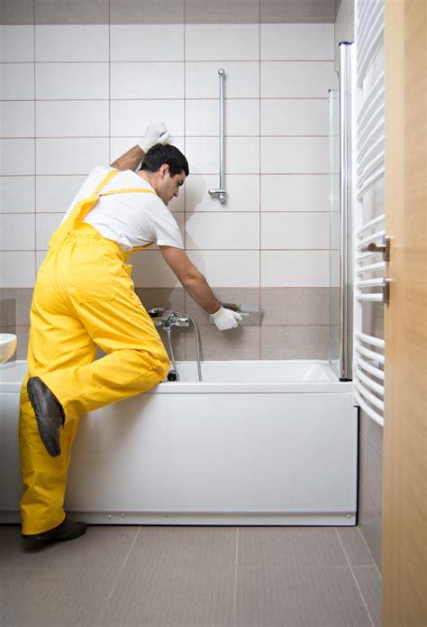 emaille badewanne ausbessern badewanne aus keramik lackieren 187 anleitung in 6 schritten