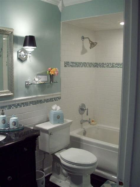 Glass Tile Accent In Bathroom Best 25 Tile Bathrooms Ideas On Tiled