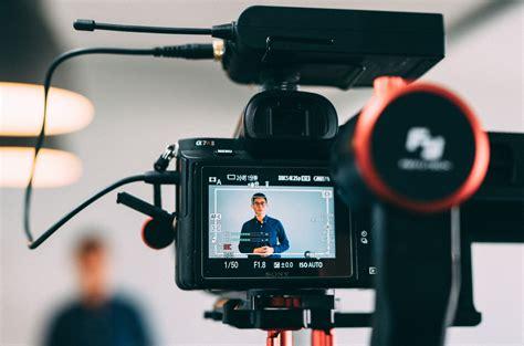 blogger video camera nuevas tendencias emprendedores startups y empresas en 2018
