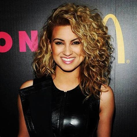 how do i curl my hair like kelly ripa tori kelly curly hair i wish i could get my hair to do