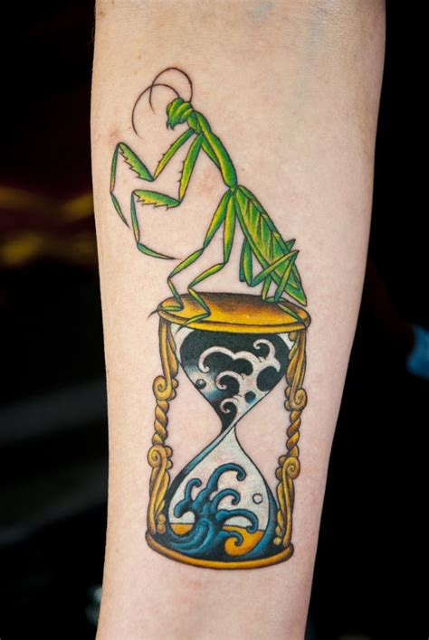 praying mantis tattoo designs 17 best images about hourglass tattoos on