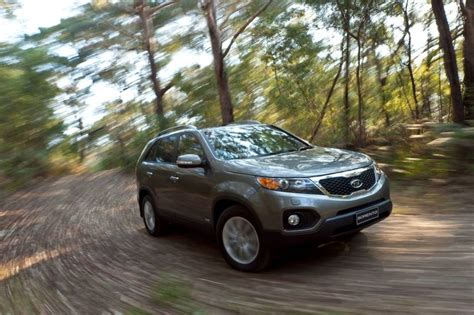 Kia 2011 Sorento Recalls Kia Recalls 8 000 Sorentos For Faulty Rear Brakes