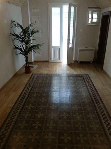 pavimento antico foto recupero e reinstallazione con parquet di pavimento