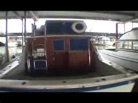 32 foot sportfishing boat 32 uniflite sportfishing yacht cruiser archive video