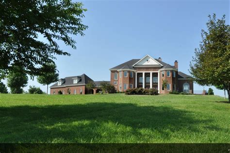 9000 square feet mansions more 9 000 square foot brick mansion in kentucky