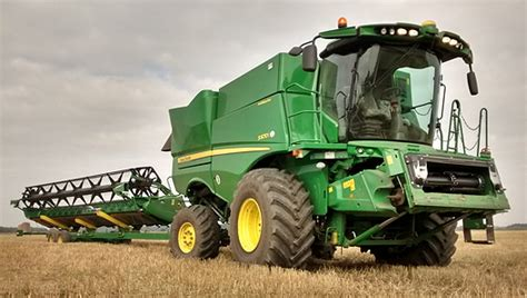 new john deere combine developments for 2015 john deere new combine developments for 2015