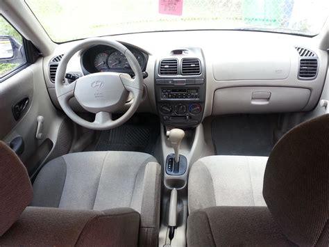 Hyundai Accent 2000 Interior by 2002 Hyundai Accent Interior Pictures Cargurus