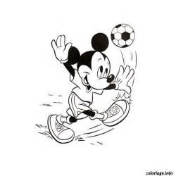 Coloriage Mickey Foot Dessin