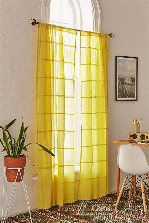 how to decorate with curtains bedroom curtain ideas 15 ways to decorate with curtains