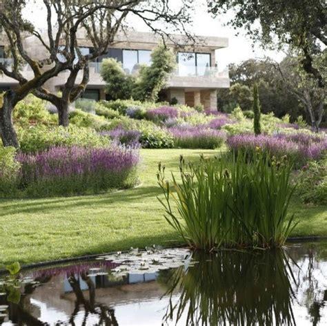 Landscape Design Vs Landscape Architecture Modern Vs Contemporary Architecture And Landscape