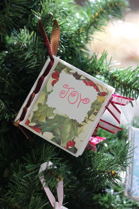 how to make paper christmas ornaments with pictures