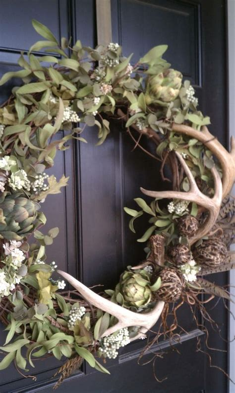 picture of fall rustic wreath with antlers