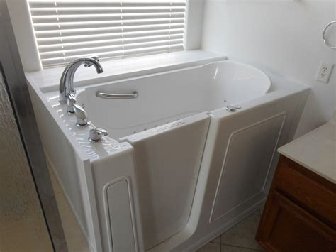 Walk In Bathtub Installation by Oklahoma Walk In Tubs Before And After Ok Walk In Bathtubs
