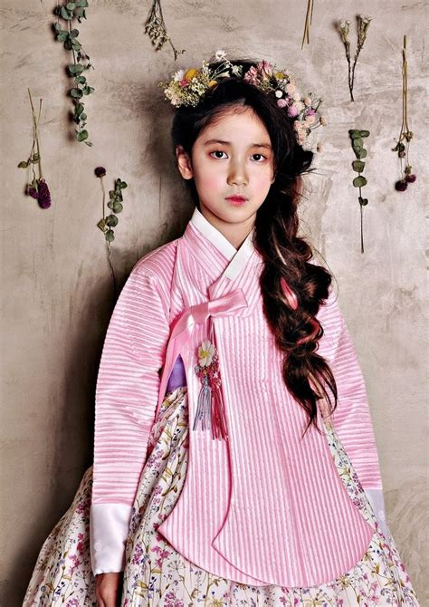 korean hairstyle for hanbok 124 best 한복 korean traditional dress images on pinterest