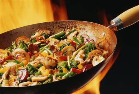 cucinare col wok chef for rent rome wok di mazzancolle gusto all orientale