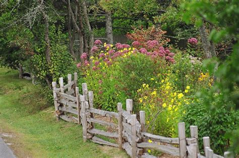 cottage garden fence how to make a cottage garden ikonmap