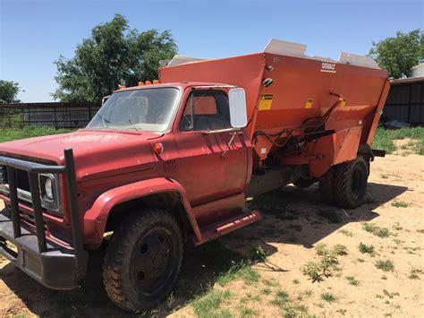Mixer Gmc gmc feed truck w oswalt mixer box