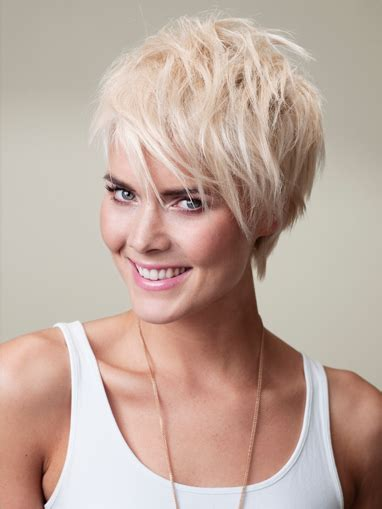 short hairstyles using naroibi mousse nonchalant look stap 1 verdeel de mousse in handdoekdroog