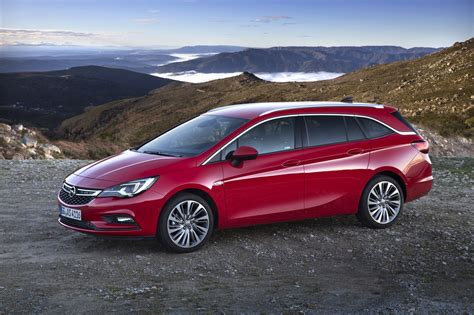 Opel Astra Sport by J 225 Conduzimos O Novo Opel Astra Sports Tourer