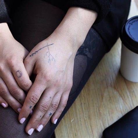 hand poke tattoo melbourne 17 best images about tattoo on pinterest negative space