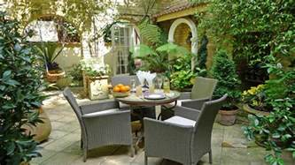 Outdoor And Patio Kensington Vacation Apartment With Patio Garden