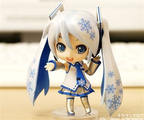 Ori Figma Snow Miku 2014 Limited Edition Festival snow miku ashton chibi and snow
