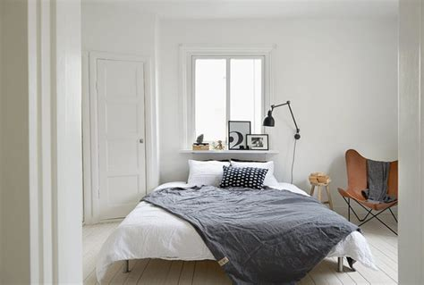 simple cozy bedroom white and cozy swedish apartment бял и уютен шведски