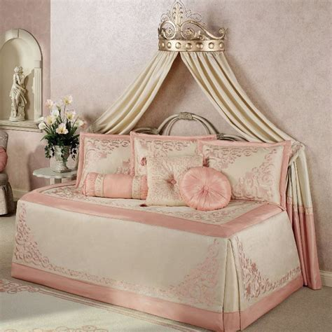 what size comforter for daybed 1000 ideas about kids daybed on pinterest girls daybed
