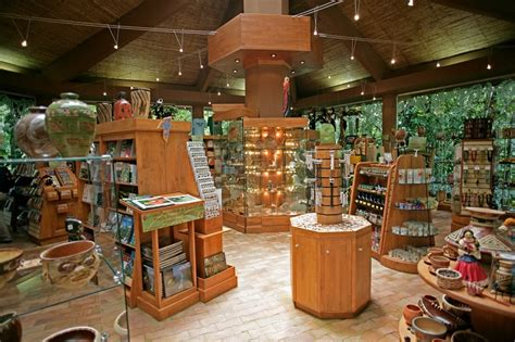 Shoo Rainforest Shop amenities costa rica atlantic excursion lodging and