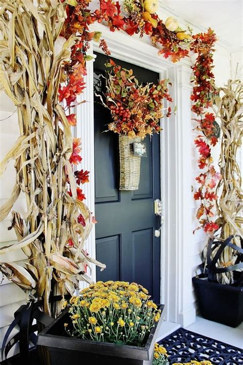 door decorating ideas for 30 cozy thanksgiving front door d 233 cor ideas digsdigs