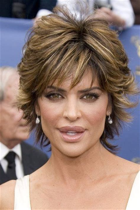 hairstyles to show off jaw and cheekbones this short and charming shag hairstyle can beautifully