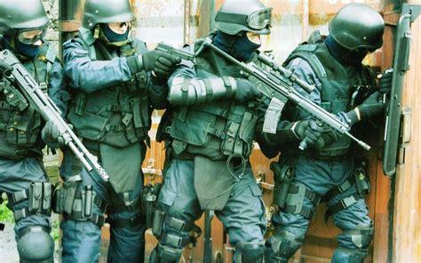 fairfax swat team raids high stakes great falls poker game poker crime logs swat team cracks down on high stakes