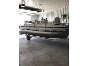 pontoons for sale by owner in minnesota 2002 weeres fishing pontoon powerboat for sale in minnesota