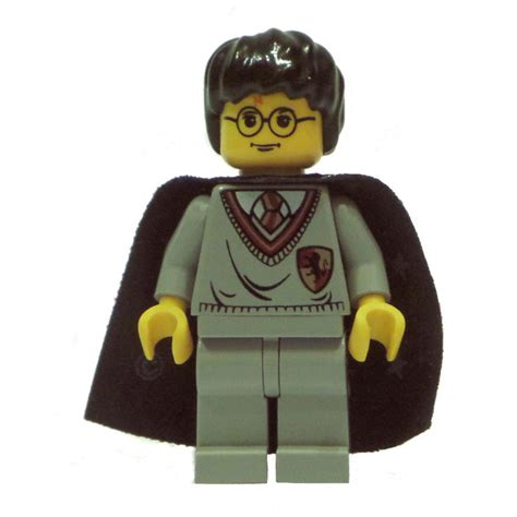 Lego Hp005 Harry Potter Minifigure Harry Potter lego harry potter with gryfindor shield torso light gray legs and a black cape with