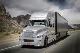 Daimler freightliner inspiration truck debuts at hoover dam