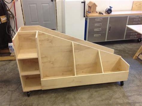 gestell holzlagerung 20 scrap wood storage holders you can diy remodelando la