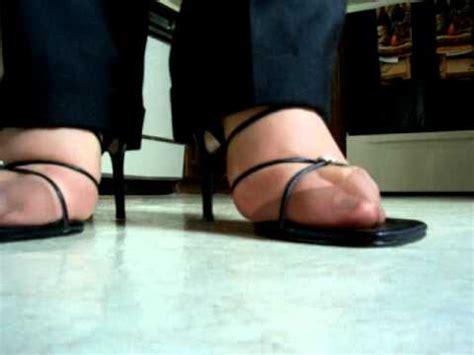 Walking On Heels In The Kitchen Youtube Stilettos In The Kitchen