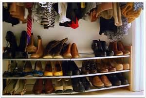 Building A Shoe Closet by Diy Building A Closet Shoe Organizer Plans Free